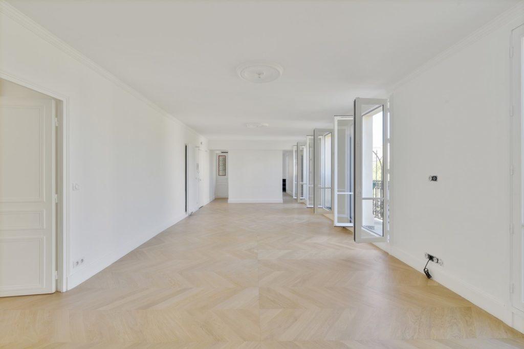 Rénovation du séjour d'un appartement familial à Paris